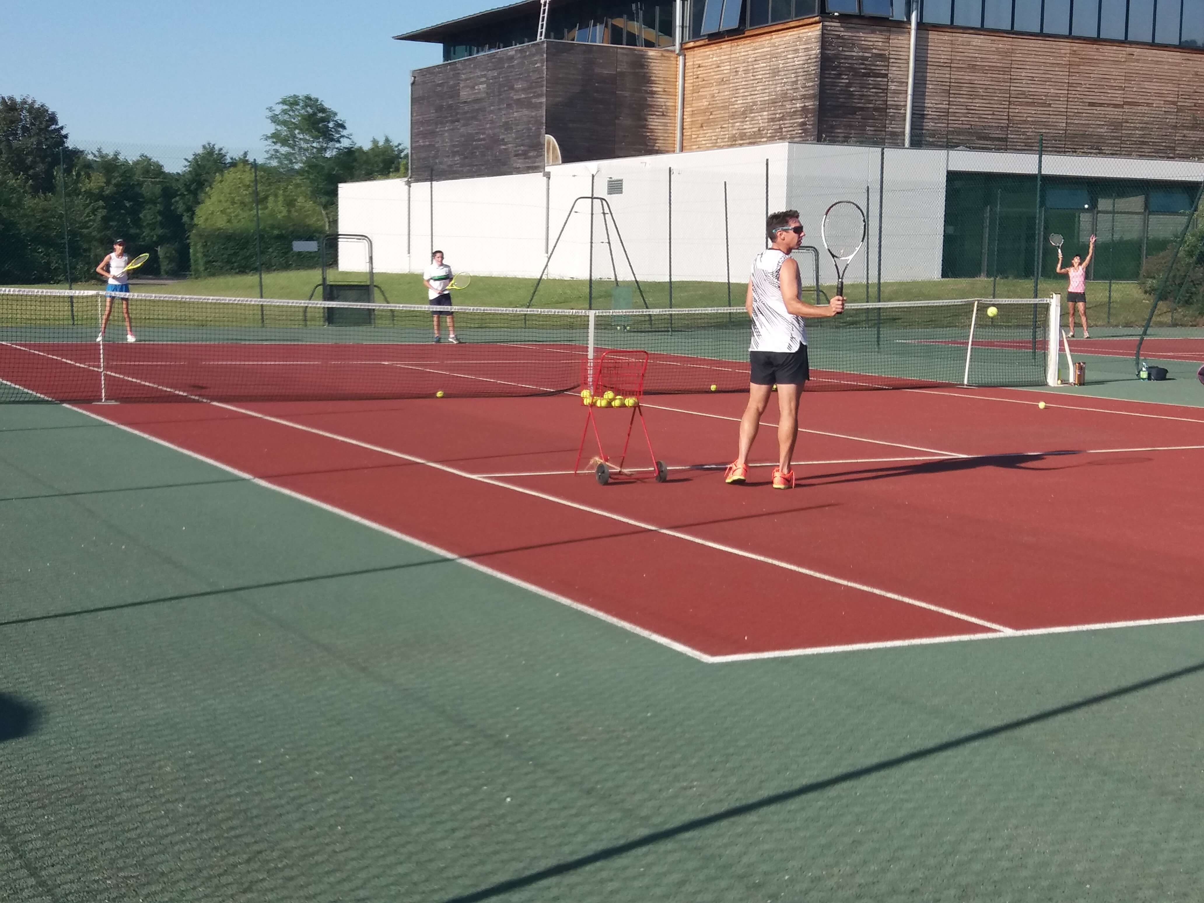 photo enseignement au tennis club de crossey